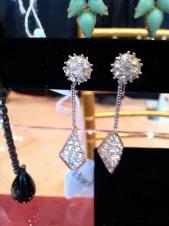 Photo: Jenna Salak Jewelry: Costumier